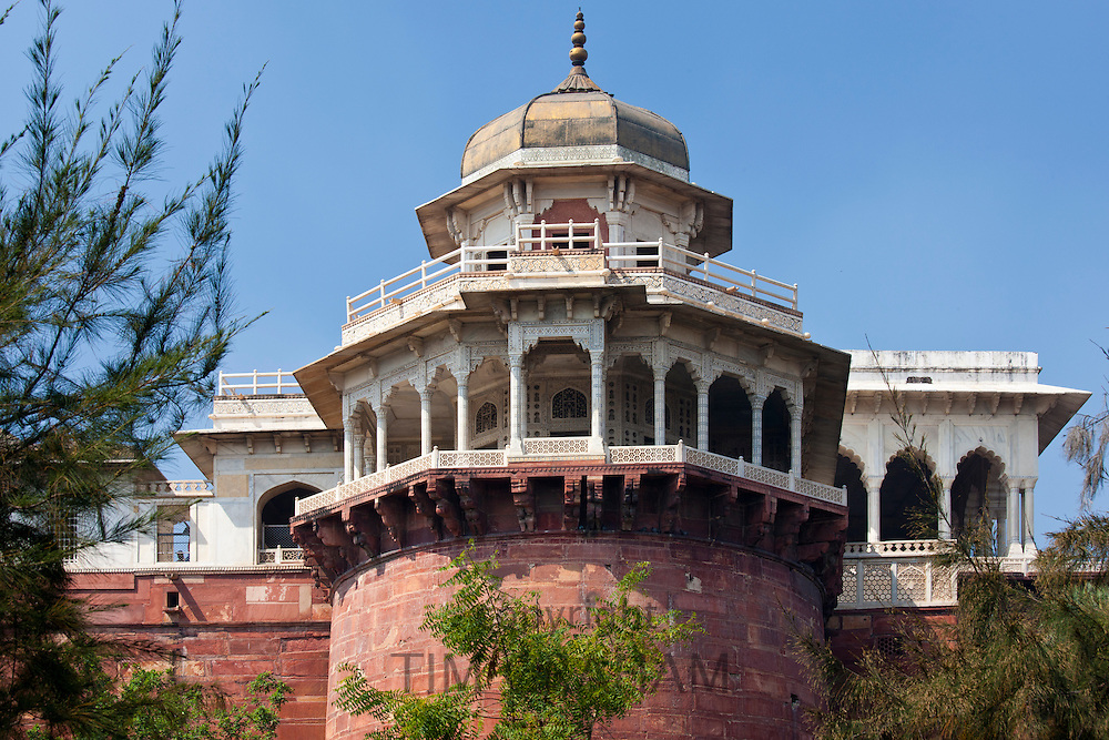 Agra Fort, 17th Century Muthamman Burj Jasmine Tower where Mughal Shah Jehan was incarcerated, in Agra, Northern India