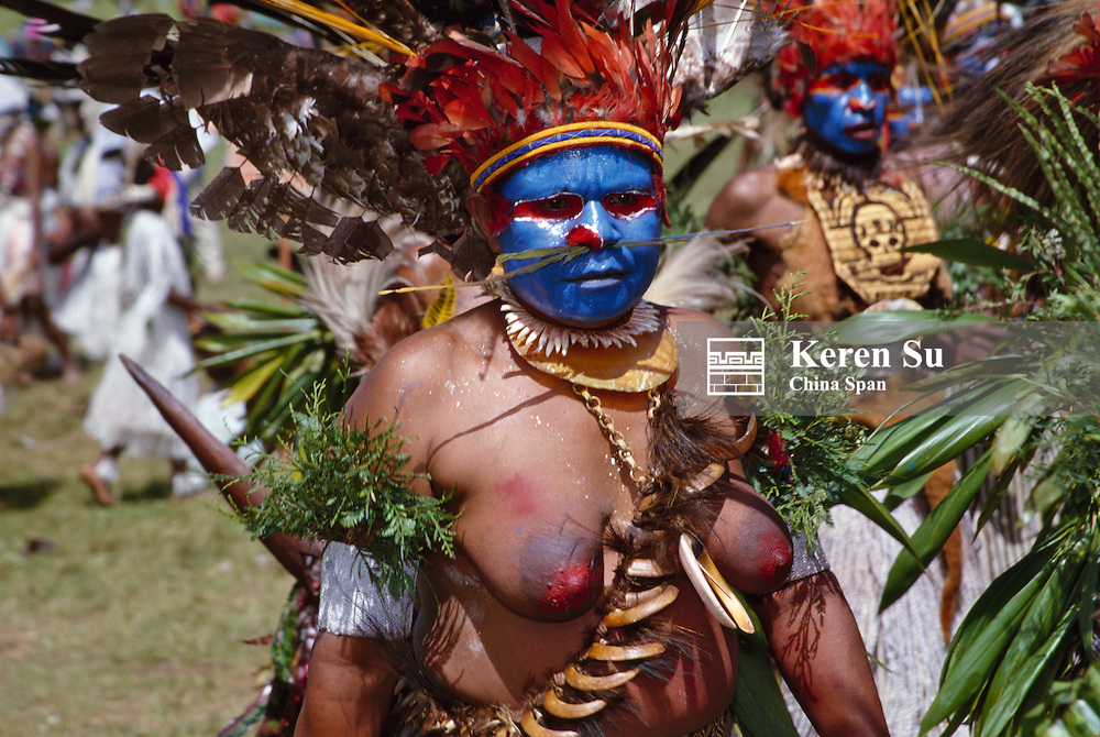Highlands tribeswomen performing at Sing Sing Festival, Mt. Hagen, Papua New Guinea