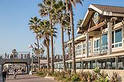 Dukes Restaurant at Huntington Beach Pier Plaza