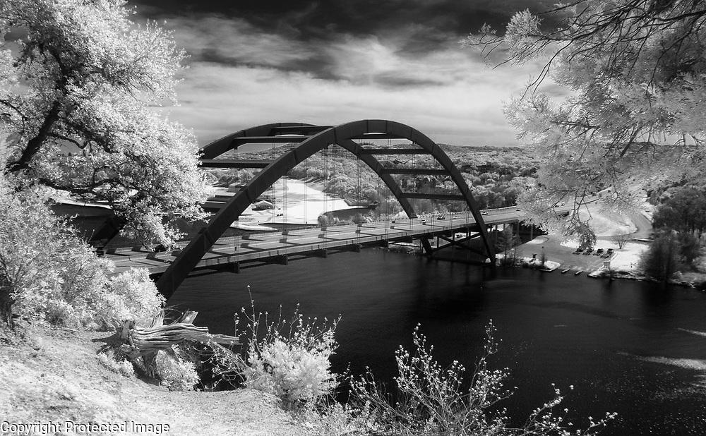 Infrared image of the Pennybacker/360 Bridge