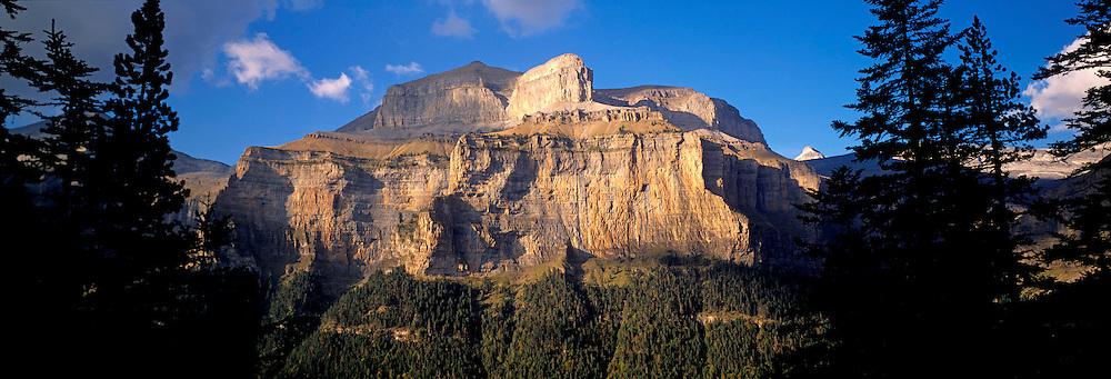 SPAIN, ARAGON, PYRENEES Ordesa National Park; Rio Arazos