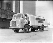 23/ 06/1961.06/23/1961.23 June 1961.Seddon 15/10 lorry to carry bulk grain of Merchant Warehousing Co. Ltd.