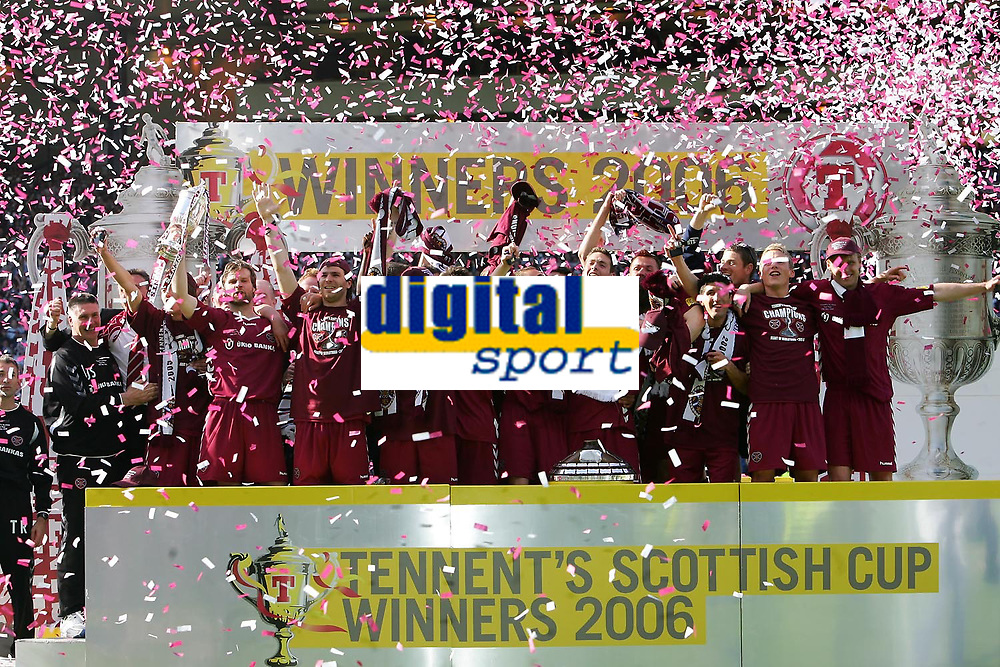 Photo: Andrew Unwin.<br /> Hearts v Gretna. Tennants Scottish Cup Final. 13/05/2006.<br /> Hearts celebrate their win.