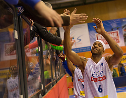 18.11.2015, Walfersamhalle, Kapfenberg, AUT, FIBA Europe Cup, ece Bulls Kapfenberg vs Le Havre, im Bild Shawn Ray (Bulls Kapfenberg) nach dem Sieg gegen Le Havre // during the FIBA Europe Cup, between ece Bulls Kapfenberg and Le Havre at the Sportscenter Walfersam, Kapfenberg, Austria on 2015/11/18, EXPA Pictures © 2015, PhotoCredit: EXPA/ Dominik Angerer