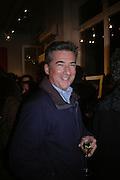 Fergus Greer , American Life. Michael Hoppen gallery. Jubilee Place. London. 29  November 2005. ONE TIME USE ONLY - DO NOT ARCHIVE  © Copyright Photograph by Dafydd Jones 66 Stockwell Park Rd. London SW9 0DA Tel 020 7733 0108 www.dafjones.com