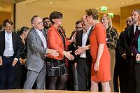 26 OCT 2019, BERLIN/GERMANY:<br /> Norbert Walter-Borjans, SPD, Landesminister a.D., Saskia Esken, MdB, SPD,  Olaf Scholz, SPD; Bundesfinanzminister, und Klara Geywitz, SPD Brandenburg, wahrend der Bekanntgabe der SPD-Mitgliederbefragung  zur Wahl des neuen Parteivorsitzes, Willy-Brandt-Haus<br /> IMAGE: 20191026-01-021<br /> KEYWORDS: Verkündung, Verkuendung, Gratulation, Handshake