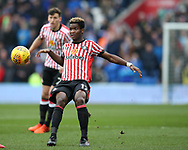 Didier NDong of Sunderland in action. EFL Skybet championship match, Cardiff city v Sunderland at the Cardiff city stadium in Cardiff, South Wales on Saturday 13th January 2018.<br /> pic by Andrew Orchard, Andrew Orchard sports photography.