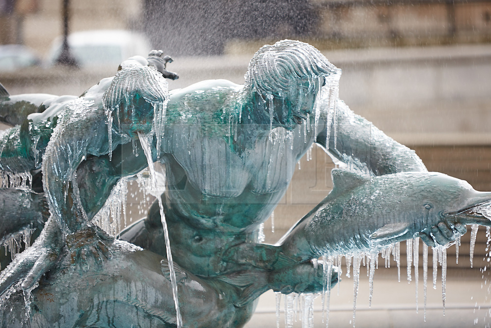 © Licensed to London News Pictures.  22/02/2013. LONDON, UK  Icicles, some a foot long, hang off the fountains in Trafalgar Square in central London. Nationally a cold spell is expected to see temperatures struggle to rise above freezing with a dusting of snow. Photo credit: Cliff Hide/LNP
