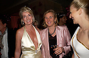 HILARY WESTON, COUNTESS MANFREDIE DELLA GHERARDESCA AND ALLANAH  WESTON. Selfridges Las Vegas dinner hosted by  hon Galen , Hillary Weston and Allanah Weston. Selfridges Oxford St. 20 April 2005. ONE TIME USE ONLY - DO NOT ARCHIVE  © Copyright Photograph by Dafydd Jones 66 Stockwell Park Rd. London SW9 0DA Tel 020 7733 0108 www.dafjones.com