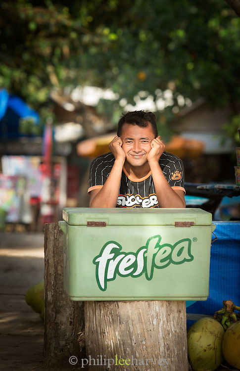 Local drink seller, Red Island Beach, Red Island, Banyuwangi Regency, East Java, Indonesia, Southeast Asia