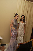 Countess therese Sophie von Clary und Aldrington and Francesca de Mello Breyner. . Crillon Debutantes Ball 2002. Paris. 7 December 2002. © Copyright Photograph by Dafydd Jones 66 Stockwell Park Rd. London SW9 0DA Tel 020 7733 0108 www.dafjones.com