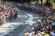 In Utrecht is deTour de France van start gegaan met een tijdrit. De stad was al vroeg vol met toeschouwers. Het is voor het eerst dat de Tour in Utrecht start.<br /> <br /> In Utrecht the Tour de France has started with a time trial. Early in the morning the city was crowded with spectators. It is the first time the Tour starts in Utrecht.