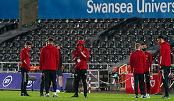 SWANSEA, WALES - Thursday, November 12, 2020: Wales' Rabbi Matondo (C) and team-mates on the pitch before an International Friendly match between Wales and the USA at the Liberty Stadium. (Pic by David Rawcliffe/Propaganda)