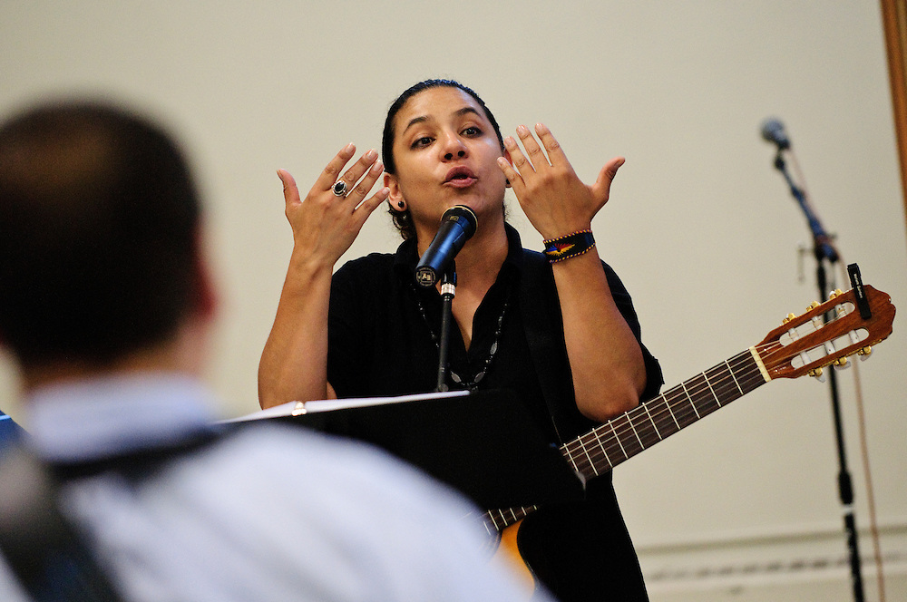 Marieth Quintero of the Archdiocese of Chicago's Office of Divine Worship leads Hispanic Catholic music ministers in ÁCantemos al Se-or!, or Sing to the Lord, a day-long workshop hosted at St. Stanislaus Kostka School on Chicago's northwest side. June 30, 2012 l Brian J. Morowczynski~ViaPhotos..For use in a single edition of Catholic New World Publications, Archdiocese of Chicago. Further use and/or distribution may be negotiated separately. ..Contact ViaPhotos at 708-602-0449 or email brian@viaphotos.com.