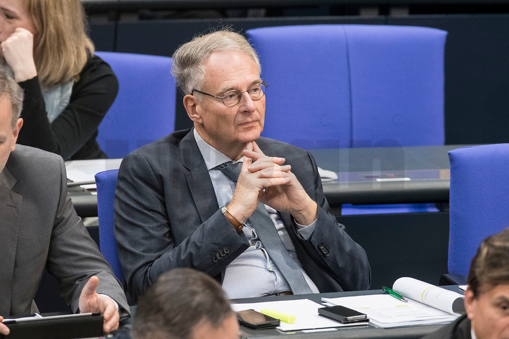 14 FEB 2019, BERLIN/GERMANY:<br /> Dr. Roland Hartwig, MdB, AfD, Bundestagsdebatte, Plenum, Deutscher Bundestag<br /> IMAGE: 20190214-01-034<br /> KEYWORDS: Bundestag, Debatte