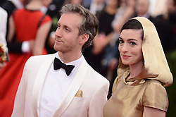 Adam Shulman and Anne Hathaway attend the China: Through The Looking Glass Costume Institute Benefit Gala at Metropolitan Museum of Art on May 4, 2015 in New York City, NY, USA. Photo by Lionel Hahn/ABACAPRESS.COM