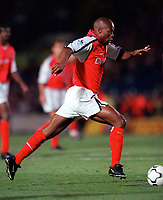 Sylvian Wiltord makes his debut for Arsenal. Chelsea 2:2 Arsenal, F.A. Carling Premiership, 6/9/2000. Credit: Colorsport / Stuart MacFarlane.