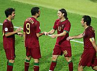 1:0 Jubel  v.l. Deco, Pauleta, Torschuetze Maniche, Luis Figo Portugal<br /> Fussball WM 2006 Achtelfinale Portugal - Niederlande<br />  Portugal - Nederland<br /> Norway only