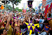 BELO HORIZONTE_MG. 25 de fevereiro de 2012...BELOTUR - CARNAVAL BH.. Bloco Vira o Santo encerra o Carnaval de Belo Horizonte desfilando pelas ruas do centro da cidade. ..Foto: RODRIGO LIMA / NITRO.