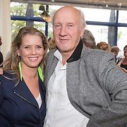 ** PRIVE,WEEKEND,STORY,PARTY OUT ** NLD/Utrecht/20151006 - Boekpresentatie Anne van Veen - 'Wie ik aan het zijn was', Babette van Veen met haar vader Herman van Veen