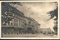 Zagreb : Ulica Račkoga = Rue Ratchki. <br /> <br /> Impresum[S. l.] : J. I. Z. Z., [192-].<br /> Materijalni opis1 razglednica : tisak ; 9 x 13,7 cm.<br /> Vrstavizualna građa • razglednice<br /> ZbirkaGrafička zbirka NSK • Zbirka razglednica<br /> Formatimage/jpeg<br /> PredmetZagreb –– Ulica Franje Račkoga<br /> SignaturaRZG-RACK-4<br /> Obuhvat(vremenski)20. stoljeće<br /> NapomenaRazglednica je putovala.<br /> PravaJavno dobro<br /> Identifikatori000954705<br /> NBN.HRNBN: urn:nbn:hr:238:143912 <br /> <br /> Izvor: Digitalne zbirke Nacionalne i sveučilišne knjižnice u Zagrebu