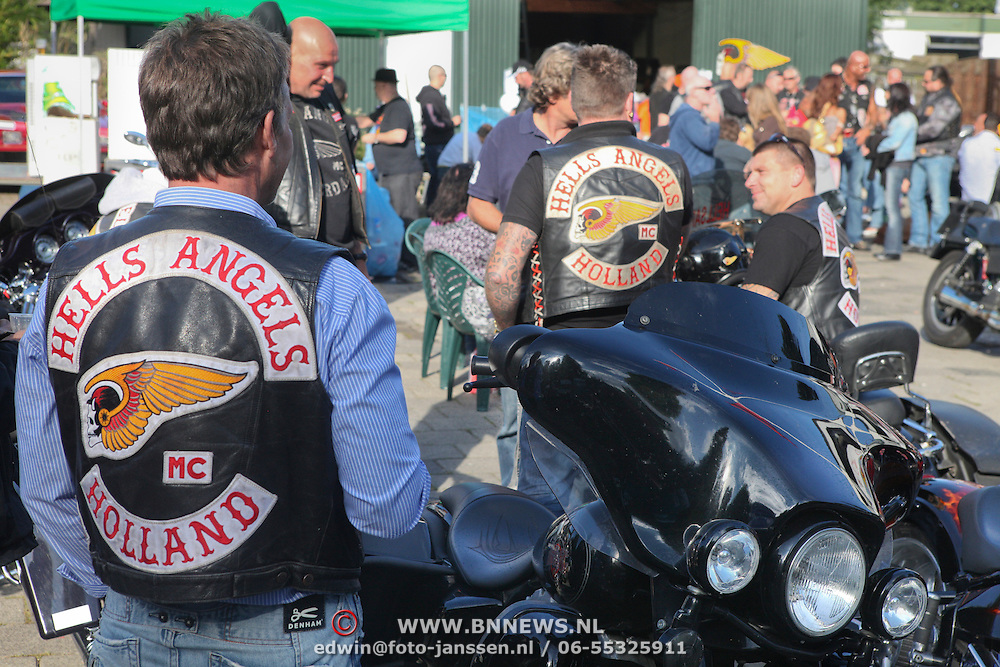 NLD/AMSTERDAM/20100904 - De Amsterdamse Hells Angels houden zaterdag open huis in hun clubhuis aan de Wenkebachweg. De Angels Place, het clubhuis van de Amsterdamse Angels, is normaal gesproken verboden terrein voor onbevoegden.