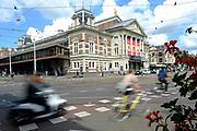 Het Koninklijk Concertgebouw, geopend op 11 april 1888, is een gebouw met diverse concertzalen, gelegen aan de Van Baerlestraat tegenover het Museumplein in Amsterdam. Het is de thuisbasis van het Koninklijk Concertgebouworkest<br /> <br /> The Royal Concertgebouw, opened on April 11, 1888, is a building with various concert halls, located on the Van Baerlestraat opposite the Museumplein in Amsterdam. It is home to the Royal Concertgebouw Work