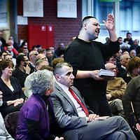 Nederland, Amsterdam , 11 december 2011..De Eerste Kamer bepaalt binnenkort of de onverdoofde rituele slacht in Nederland wordt verboden. Op 13 december debatteren de senaatspartijen en wordt wellicht duidelijk hoe de stemverhoudingen liggen. Daarom organiseert de PvdA Nieuw-West op 11 december een bijeenkomst met onder andere Nico Schrijver van de Eerste Kamerfractie van de PvdA. Kom ook!.De bijeenkomst is op zondag 11 december van 14.00-16.00u in het Calvijn met Junior college..We discussiëren met een panel van rechtskundigen en woordvoerders van diverse partijen en religies, waaronder het Eerste Kamerlid voor de PvdA Nico Schrijver, hoogleraar internationaal recht; met interviews van rabbi's, imams, slachters, certificeerders, juristen en politici zoals Achmed Baadoud, PvdA stadsdeelvoorzitter in Nieuw-West. Ook de mening van de aanwezigen in de zaal wordt gepeild..Op de foto in het midden zittend Achmed Badoud..VOORKEURSFOTO!!.Foto:Jean-Pierre Jans