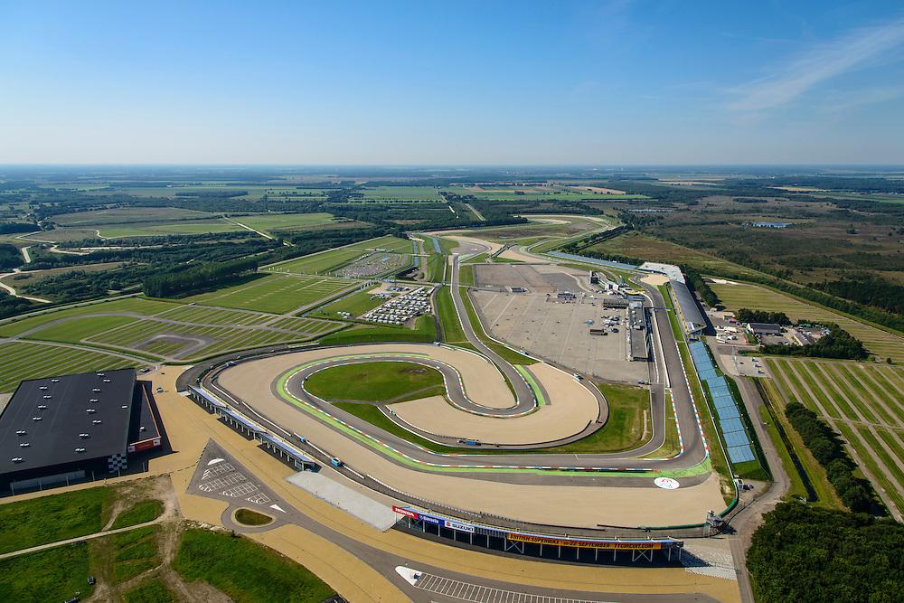 Nederland, Drenthe, 27-08-2013; TT-Circuit Assen  (Circuit van Drenthe), lokatie voor de jaarlijkse motorrace de TT Assen (Tourist Trophy), Grand Prix wegrace. In de voorgrond carting (skelter) circuit.<br /> Circuit Drenthe, the location for the annual motor race Assen TT (Tourist Trophy), Grand Prix motorcycle racing.<br /> luchtfoto (toeslag op standaard tarieven);<br /> aerial photo (additional fee required);<br /> copyright foto/photo Siebe Swart.