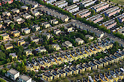 Nederland, Flevoland, Almere, 27-08-2013; Almere-Buiten. Regenboogbuurt met rijen vrolijk gekleurde eengezinswoningen. <br /> Residential distict Regenbouwbuurt (Rainbow Area),  rows of brightly colored family houses.<br /> luchtfoto (toeslag op standaard tarieven);<br /> aerial photo (additional fee required);<br /> copyright foto/photo Siebe Swart.