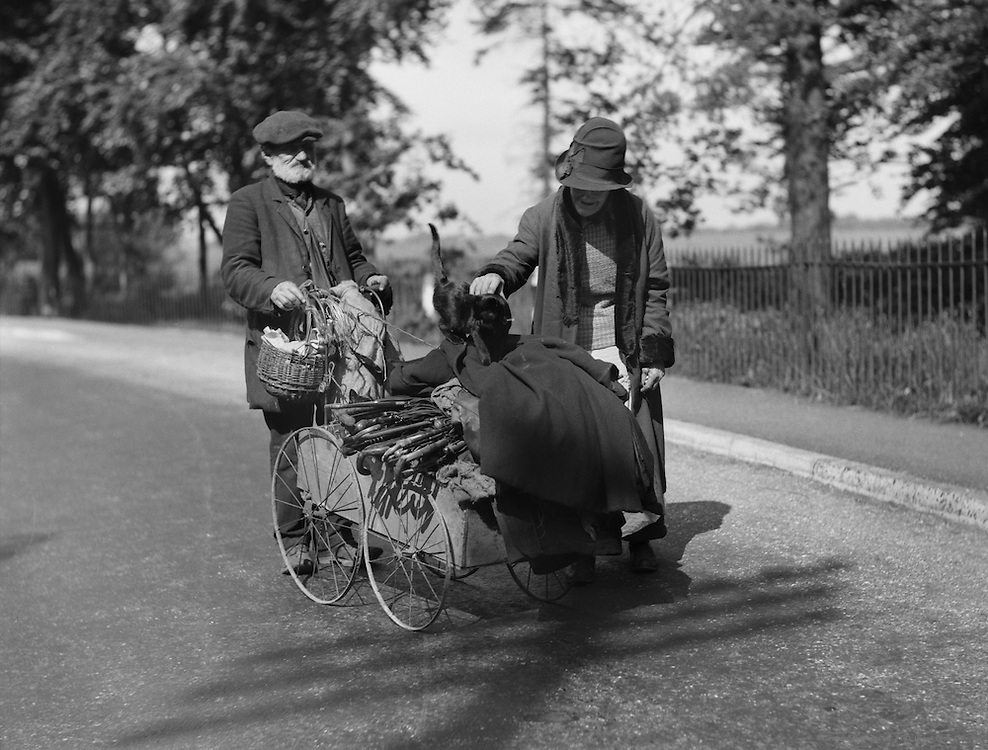 """Two Types with Cart """"On the King's Highway"""", Kent, England, 1932"""