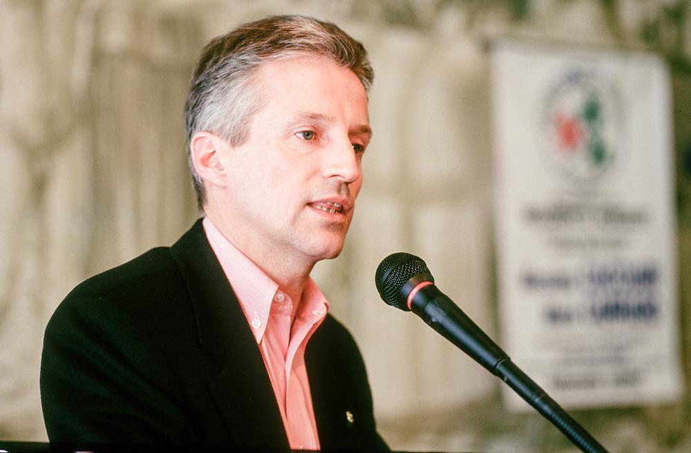 12 MAR 1998 - Padova - Presentazione Movimento del Nord-Est - Riccardo Illy, sindaco di Trieste.