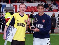Silvinho recieves an award before the game. Arsenal v Aston Villa. FA Premiership, 14/10/00. Credit: Colorsport.