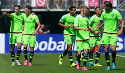 09-08-2015 NED: AZ - Ajax, Alkmaar<br /> Ajax verslaat AZ vrij eenvoudig met 3-0 / Anwar El Ghazi #21 scoort de 1-0 en viert dit met oa. Jairo Riedewald #22, Riechedly Bazoer #6, Nemanja Gudelj #27, Kenny Tete #23, Daley Sinkgraven #8, Mitchell Dijks #35, Davy Klaassen #10