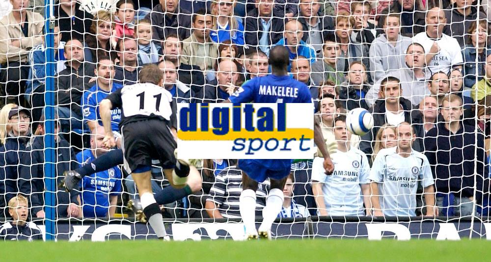 Photo: Daniel Hambury.<br />Chelsea v Blackburn Rovers. The Barclays Premiership.<br />29/10/2005.<br />Blackburn's Craig Bellamy heads the ball past Chelsea's Petr Cech to make the score 2-2.