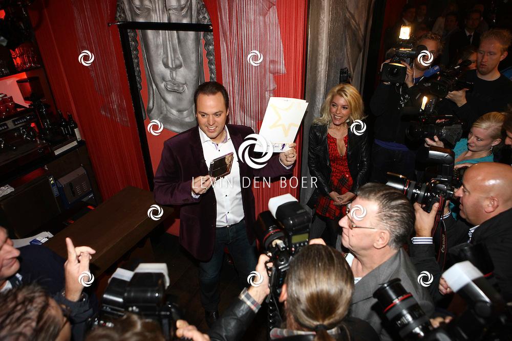 AMSTERDAM - In de Red Sun werd vandaag de nieuwe cd gepresenteerd Frans Bauer - Voor elke dag. Op de foto Frans. FOTO LEVIN DEN BOER - PERSFOTO.NU