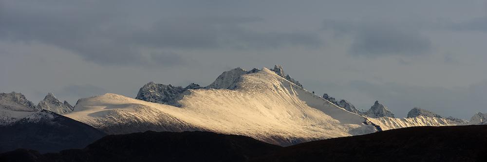 Montains nearby Vartdal, Norway. Captured from Runde   Vartdalsfjella fotografert fra Runde