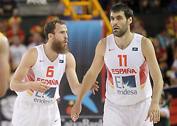 25.08.2015, Palacio de los Deportes de La Rioja, Logrono, ESP, Basketball Testspiel, Spanien vs Mazedonien, im Bild Spain's Sergio Rodriguez (l) and Fernando San Emeterio // during a International Basketball Friendly Match between Spain and Macedonia at the Palacio de los Deportes de La Rioja in Logrono, Spain on 2015/08/25. EXPA Pictures © 2015, PhotoCredit: EXPA/ Alterphotos/ Acero<br /> <br /> *****ATTENTION - OUT of ESP, SUI*****