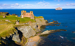 North Berwick, Scotland, UK. 13 March 2021. Saturday sees sunshine and blue skies with a blustery wind over Tantallon Castle perched high above sea cliffs outside North Berwick in East Lothian. Unfortunately the castle remains closed to the public during the coronavirus lockdown. Iain Masterton/Alamy Live News