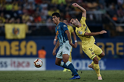 October 20, 2018 - Vila-Real, Castellon, Spain - Manu Trigueros (R) of Villarreal CF competes for the ball with Rodrigo Hernandez of Atletico de Madrid during the La Liga match between Villarreal CF and Atletico de Madrid at Estadio de la Ceramica on October 20, 2018 in Vila-real, Spain  (Credit Image: © David Aliaga/NurPhoto via ZUMA Press)