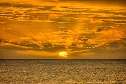 Punta del Este é uma cidade do Uruguai, localizada no departamento de Maldonado. Está entre os dez balneários de luxo mais famosos do mundo e é um dos mais charmosos da América Latina, oferecendo tanto praias oceânicas (oceano Atlântico) quanto de rio (Rio da Prata). A cidade foi fundada em 1829 por Don Francisco Aguilar, e seu primeiro nome foi Villa Ituzaingó. Em 1907, passou a se chamar Punta del Este. Nas temporadas de verão o balneário salta para 400 mil habitantes. FOTO: Jefferson Bernardes/Preview.com