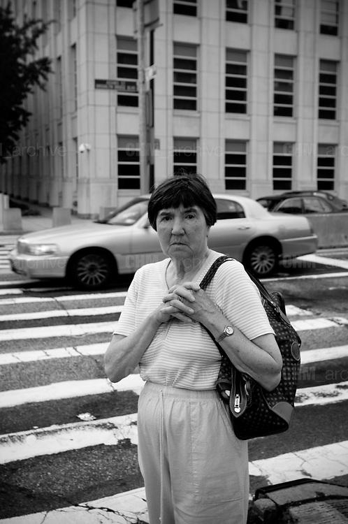 An old woman, Brooklyn. New York City, 15 june 2010. Christian Mantuano / OneShot