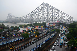 July 8, 2017 - Kolkata, India - Heavy traffic jam after  Brabourne Road flyover remain to closed for three days on Saturday for 'East West Metro Project' in Kolkata , India on Saturday, 8th July , 2017. (Credit Image: © Sonali Pal Chaudhury/NurPhoto via ZUMA Press)