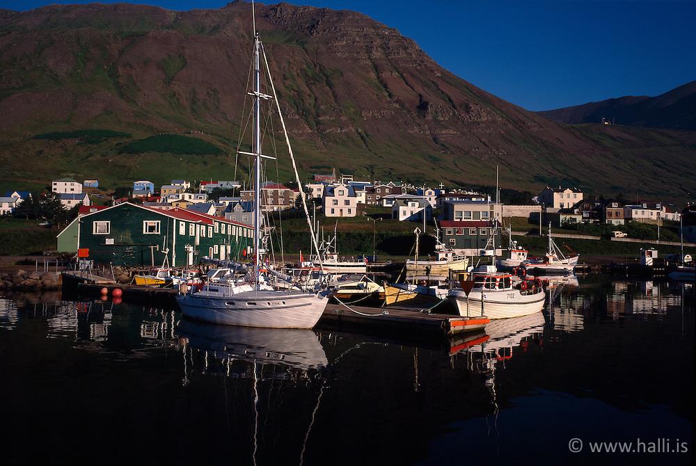 Boats in the harbour of Siglufjordur, Iceland - Bátar í höfninni á Siglufirði