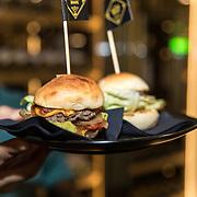 NLD/Amsterdam/20190401 -  Opening Burgerroom Gordon , Hamburgers uit The Burger Room