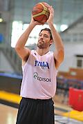 DESCRIZIONE : Trento Primo Trentino Basket Cup Nazionale Italia Maschile <br /> GIOCATORE : Angelo Gigli<br /> CATEGORIA : allenamento<br /> SQUADRA : Nazionale Italia <br /> EVENTO :  Trento Primo Trentino Basket Cup<br /> GARA : Allenamento<br /> DATA : 27/07/2012 <br /> SPORT : Pallacanestro<br /> AUTORE : Agenzia Ciamillo-Castoria/M.Gregolin<br /> Galleria : FIP Nazionali 2012<br /> Fotonotizia : Trento Primo Trentino Basket Cup Nazionale Italia Maschile<br /> Predefinita :