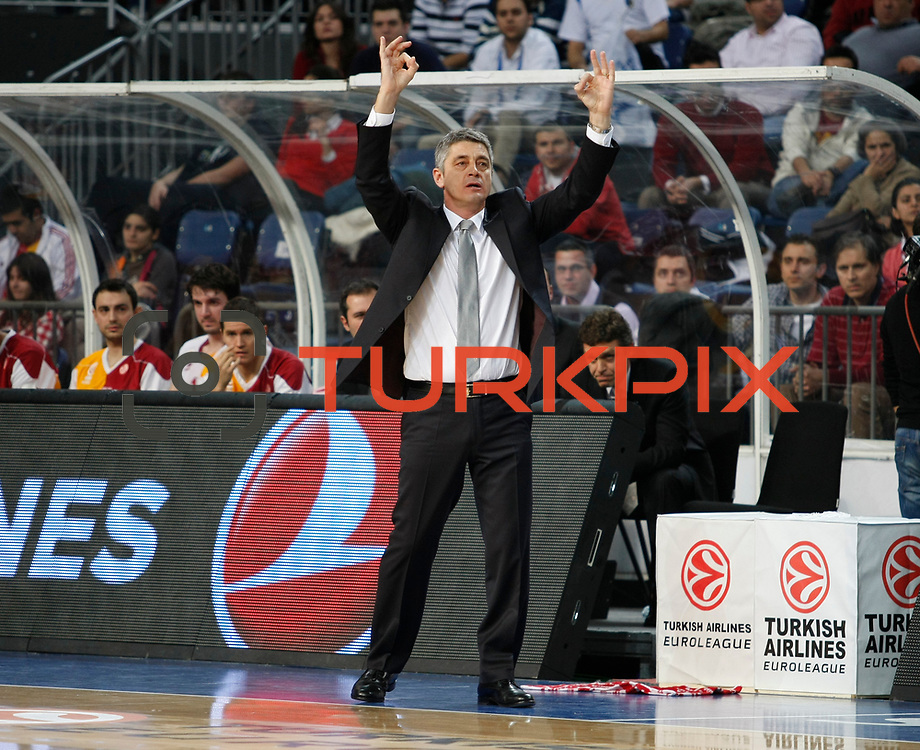 Galatasaray's coach Oktay Mahmuti during their Turkish Airlines Euroleague Basketball Top 16 Game 1 match Anadolu Efes between Galatasaray at Sinan Erdem Arena in Istanbul, Turkey, Thursday, January 19, 2012. Photo by TURKPIX