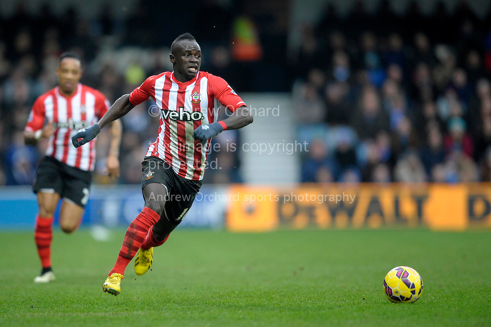 Sadio Mane of Southampton on the ball. Barclays Premier league match, Queens Park Rangers v Southampton at Loftus Road in London on Saturday 7th Feb 2015. pic by John Patrick Fletcher, Andrew Orchard sports photography.