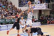 DESCRIZIONE : Trofeo Meridiana Dinamo Banco di Sardegna Sassari - Olimpiacos Piraeus Pireo<br /> GIOCATORE : Lorenzo D'Ercole<br /> CATEGORIA : Tiro Tre Punti Three Point Ritardo<br /> SQUADRA : Dinamo Banco di Sardegna Sassari<br /> EVENTO : Trofeo Meridiana <br /> GARA : Dinamo Banco di Sardegna Sassari - Olimpiacos Piraeus Pireo Trofeo Meridiana<br /> DATA : 16/09/2015<br /> SPORT : Pallacanestro <br /> AUTORE : Agenzia Ciamillo-Castoria/L.Canu