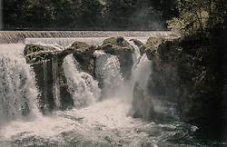 THEMENBILD - der Traunfall mit dem Fluss aufgenommen am 24. April 2019 in Steyrermühl, Oesterreich // the Traunfall with the river in Steyrermuehl on 2019/04/24, Ort, Austria. EXPA Pictures © 2019, PhotoCredit: EXPA/ Stefanie Oberhauser